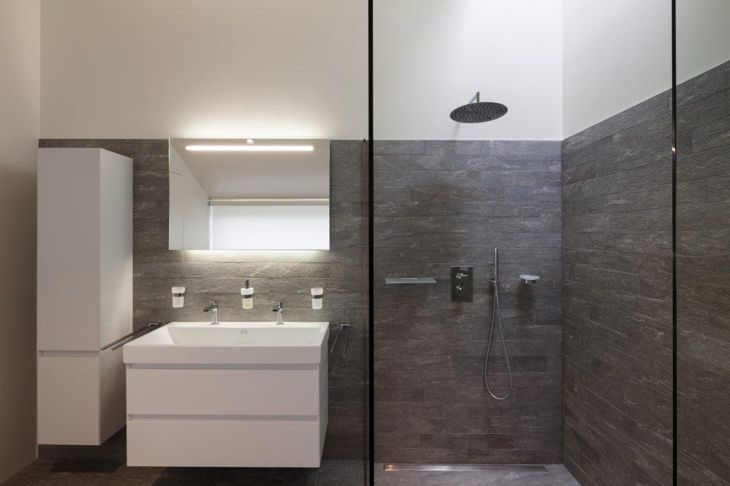 Badkamer Toonzaal Leuven : Badkamerrenovatie nieuwe badkamer mvh zaventem leuven