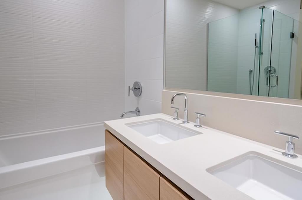 Kleine Badkamer Renovatie : Badkamerrenovatie nieuwe badkamer mvh zaventem leuven mechelen